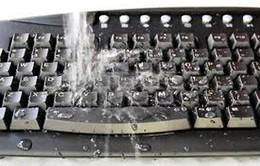Xử lý thế nào khi bàn phím bị ướt?
