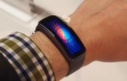 Gear Fit – Thiết bị đeo tay ấn tượng của Samsung
