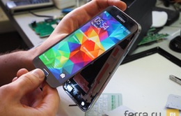 """Chưa ra mắt, Galaxy S5 đã bị """"mổ xẻ"""""""