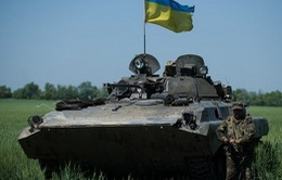 Nga cáo buộc xe tăng Ukraine vượt qua biên giới