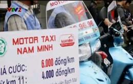 Motor taxi: Lựa chọn của các sĩ tử trong mùa thi