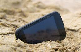 Cách bảo vệ smartphone khi đi biển