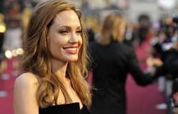 Angelina Jolie sẽ tiếp tục cắt bỏ buồng trứng