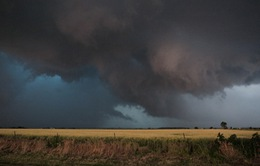 Thành phố Oklahoma tiếp tục hứng chịu lốc xoáy
