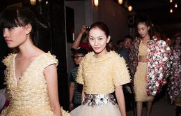 """""""Runway Condom Fashion Show in Saigon"""": Táo bạo giữa đường phố Sài Gòn"""