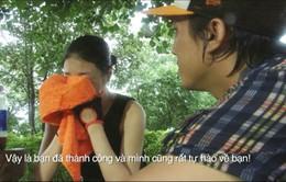 Hà Việt Dũng khóc nhìn Pha Lê chống chọi dòng nước xiết