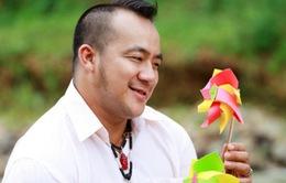 Phạm Văn Mách, Hiếu Hiền bất ngờ sải bước trên sàn diễn thời trang