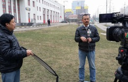 """Tác nghiệp tại """"điểm nóng"""" Ukraine: Chuyện chưa kể"""