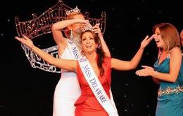 Hoa hậu của Mỹ bị mất vương miện vì quá già
