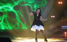 """Sao Mai Điểm hẹn 2014: Ngô Thanh Huyền """"lột xác"""" trong đêm thi rock"""