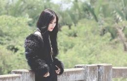 """Bài hát yêu thích tháng 8: Lạ mắt với hình ảnh Hương Tràm trong """"Sao anh vẫn chờ"""""""