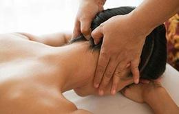 Động tác đơn giản mà hiệu quả phòng trị đau cột sống cổ