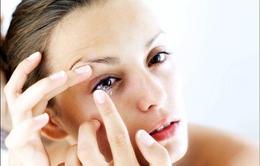Bảo vệ mắt khi sử dụng kính áp tròng