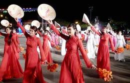 """20h, VTV1, THTT khai mạc """"Lễ hội hoa phượng đỏ 2013"""""""
