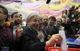 Tân Tổng thống cam kết hàn gắn quan hệ Iran với quốc tế