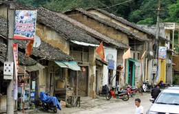 """Ứng trước kinh phí để """"cứu"""" khu phố cổ Đồng Văn"""