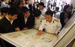 Dinh Thống Nhất trưng bày tư liệu về Hoàng Sa, Trường Sa