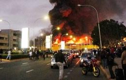 Kinh hoàng hỏa hoạn tại sân bay quốc tế Kenya