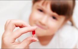 Tự ý dùng kháng sinh cho trẻ, nguy hại khó lường