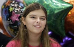 Bé gái sống sót kỳ diệu sau khi bị amip ăn não tấn công