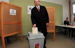 Bầu cử Czech: Đảng Xã hội - Dân chủ thắng lợi sít sao
