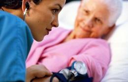 Bệnh huyết áp ở người già, điều trị sao cho đúng?