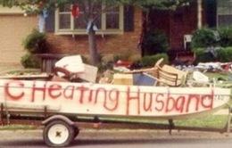 Vợ rao bán đồ đạc của gã chồng bội bạc