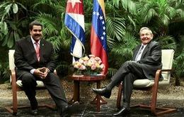 Venezuela thắt chặt quan hệ với Cuba