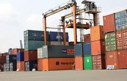 Hàng hóa ùn ứ tại cảng do quy định mới