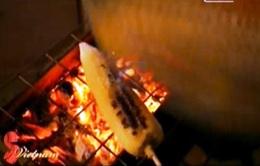 Ngô nướng - Món quà ấm đêm đông Hà Nội