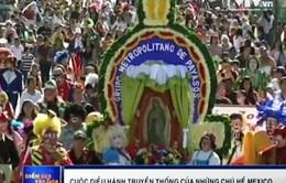 Mexico: Cuộc diễu hành truyền thống của hàng trăm chú hề