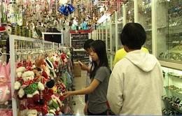 Cần Thơ: Thị trường quà Noel đa dạng nhưng kém sôi động