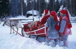 Ông già Noel chuẩn bị cuộc hành trình vòng quanh thế giới