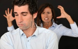 Vì sao đàn ông im lặng khi tranh cãi với bạn đời?
