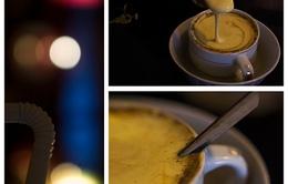 Thưởng thức hương vị cà phê trứng Hà Nội
