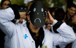 Khoảng 300 bác sĩ Mỹ tự tử mỗi năm