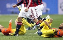 """Milan 2–0 Barcelona: Nước mắt """"người khổng lồ"""""""