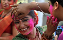 Lễ hội màu sắc Holi của tín đồ Hindu
