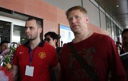 Thủ môn huyền thoại Peter Schmeichel đã đến Việt Nam