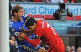 """""""Cẩu xực"""" Luis Suarez bị treo giò 10 trận"""
