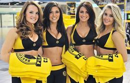 Những hoạt náo viên bốc lửa của đội cầu Boston Bruins