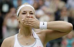 Mỹ nữ loại Serena tiến thẳng vào bán kết Wimbledon