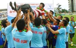 Hùng Vương An Giang và Than Quảng Ninh thăng hạng V-League 2014