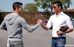 Bale lần đầu chạm trán Cris Ronaldo ở Madrid