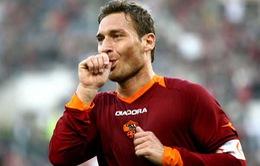 Vòng 6 Series A: Quà sinh nhật của Totti