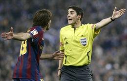"""Hướng tới """"Siêu kinh điển"""": Trọng tài bắt chính là """"điểm gở"""" của Barca"""