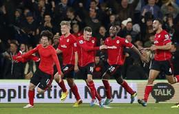 VIDEO: Man Utd ôm hận phút cuối trước Cardiff