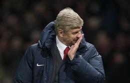 HLV Wenger dè chừng trước đối thủ từng cầm hoà Man Utd