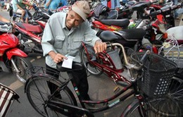 U19 Việt Nam: Ông lão 74 tuổi xiêu vẹo với tình yêu bóng đá