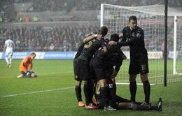 """Swansea 2-3 Man City: Man """"xanh"""" thắng trong sợ hãi"""